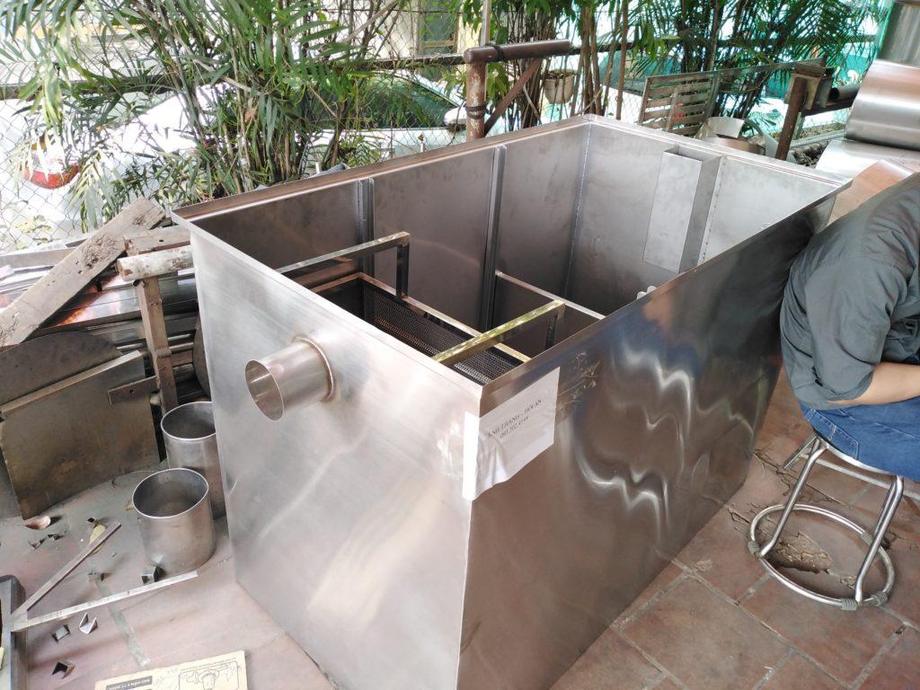 bể tách mỡ nhà hàng bếp ăn công nghiệp công suất lớn kích thước 1400*800*1000 mm