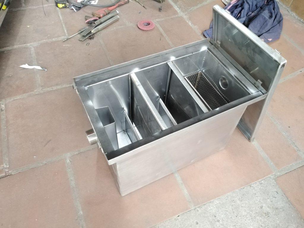 cấu tạo bể tách mỡ trong hệ thống xử lý nước thải