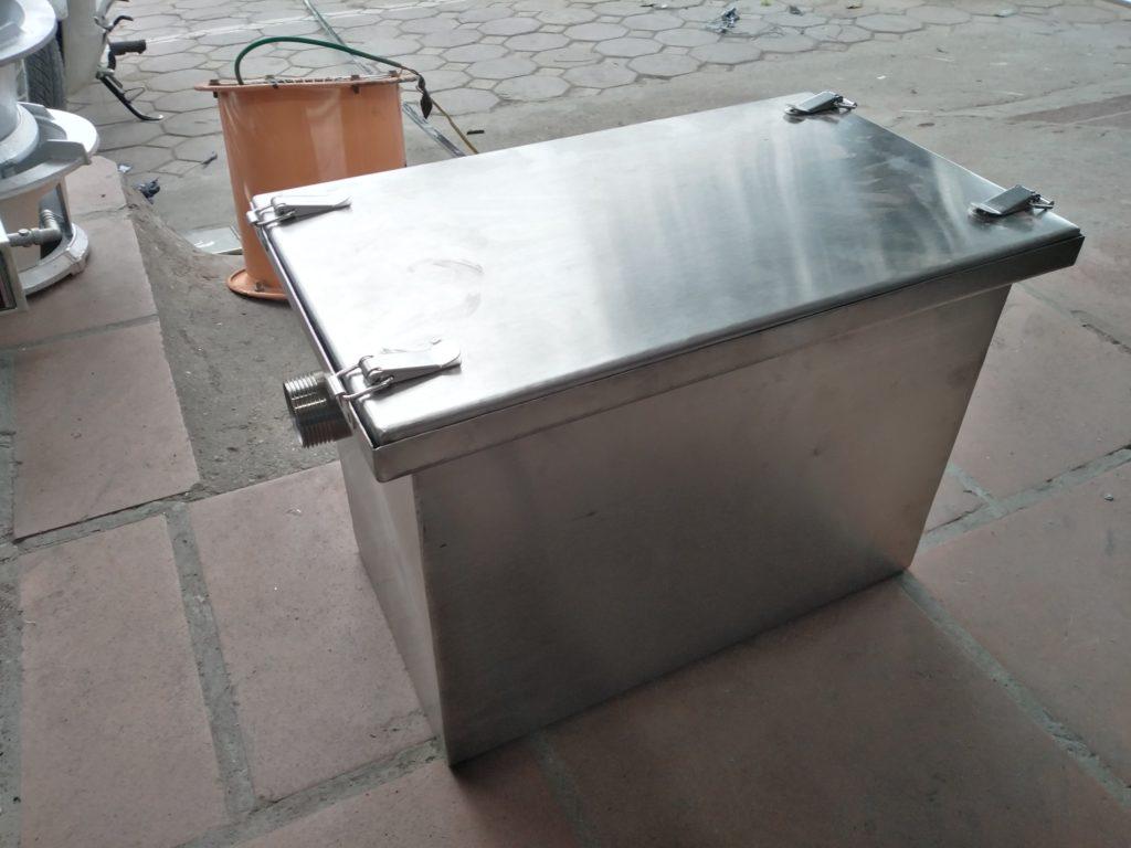 thùng tách dầu mỡ inox