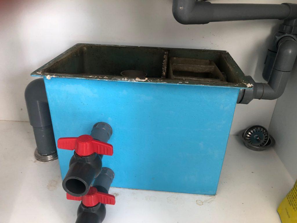 thùng lọc mỡ bằng vật liệu composite