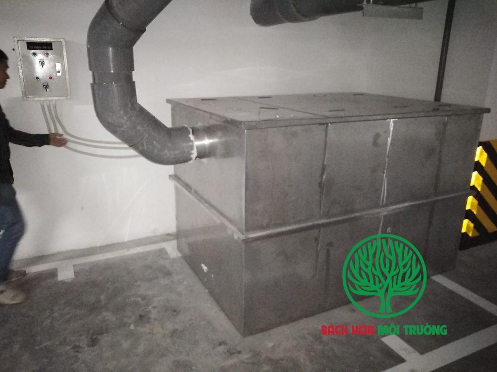 Bể tách mỡ có bơm chìm nước thải