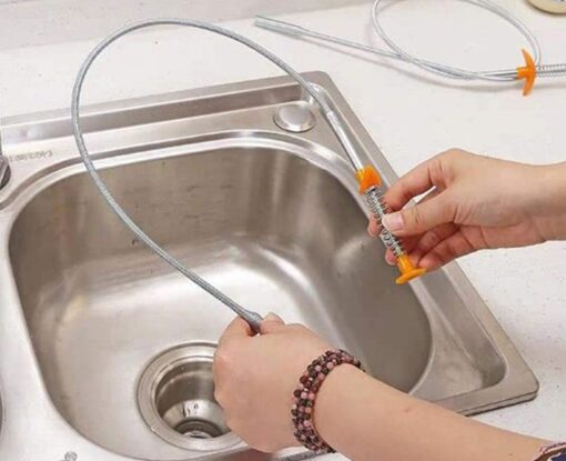 Thông cống nhà bếp bằng dây lò xo