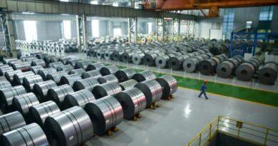 nhà máy sản xuất thép cần rò rỉ rất nhiều dầu mỡ