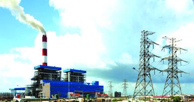 nhà máy nhiệt điện than sử dụng nhiều thiết bị chứa dầu